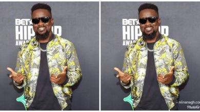 """Photo of """"First They Were Pretending They Don't Perform For Free"""" – Shatta Wale Mocks Sarkodie"""
