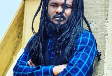 "Photo of Video: Watch as Ras Kuuku proves he is a ""Rough Rider"""
