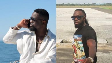Photo of Sarkodie Calls For The Ban Of Timaya's Hit Song 'I Can't Kill Myself'