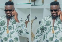 Photo of Original price & name of the chain rocked by Sarkodie