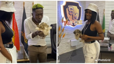 Photo of Wendy Shay spotted staring at Shatta Wale's koti rise after she caused it in Wale's new office