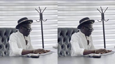 Photo of Shatta Wale acquires a Kumerica Passport as he declares himself as a citizen
