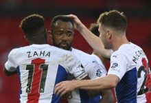 Photo of Wilfried Zaha opens up on Jordan Ayew penalty swap against Manchester United