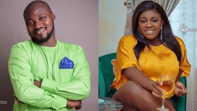 "Photo of S3x-starved Funny Face ""begs"" Tracey Boakye to allow him to enter for just two minutes"