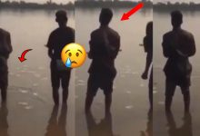 Photo of VIDEO: Sakawa Boys Spotted Spraying A Lot Of Money Into Dirty River As They Chant And Wash Their Faces With The Water